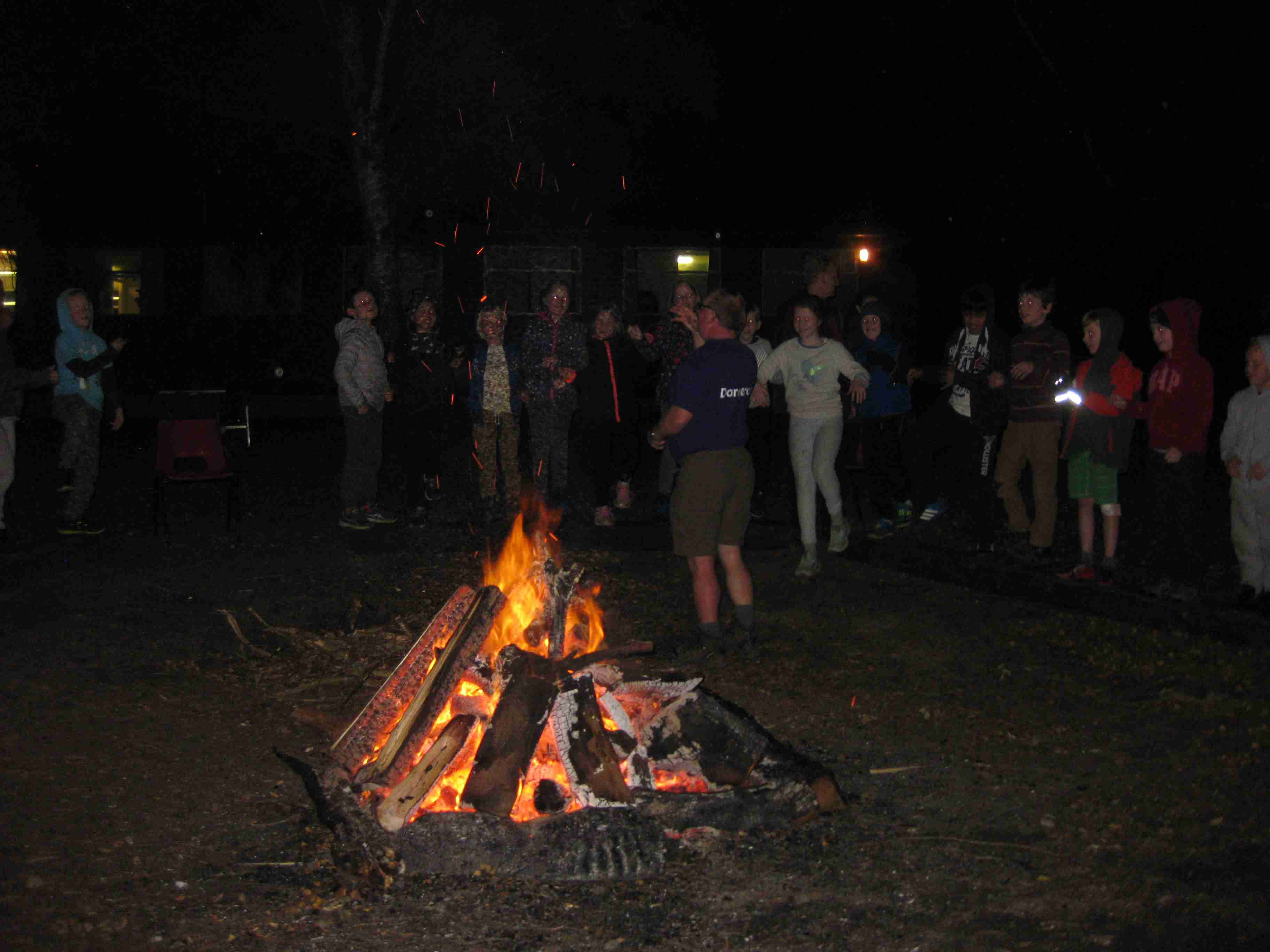 2017-10-07 7M Holiday Campfire (3)