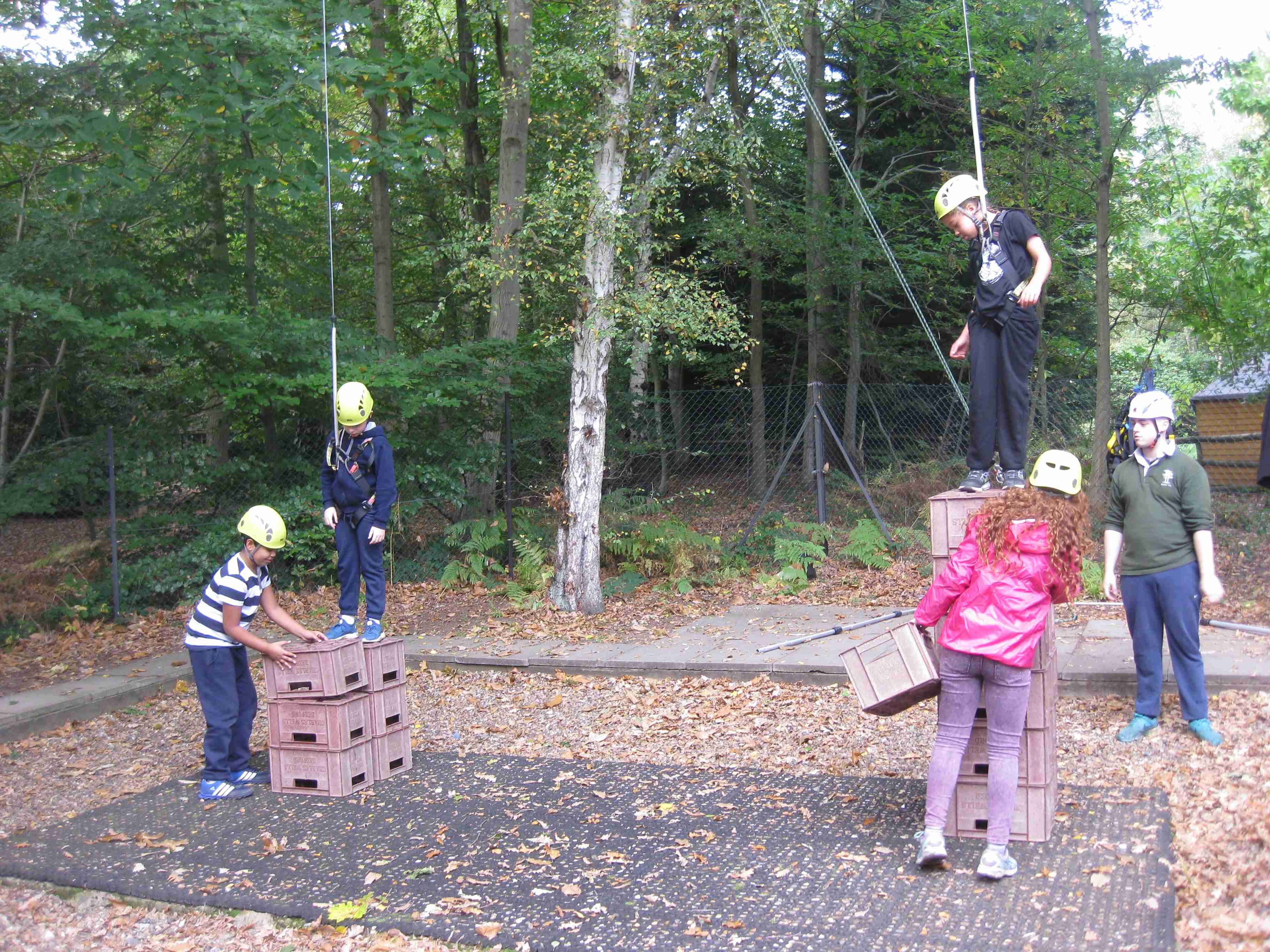 2017-10-08 7M Holiday Crate Stacking (18)