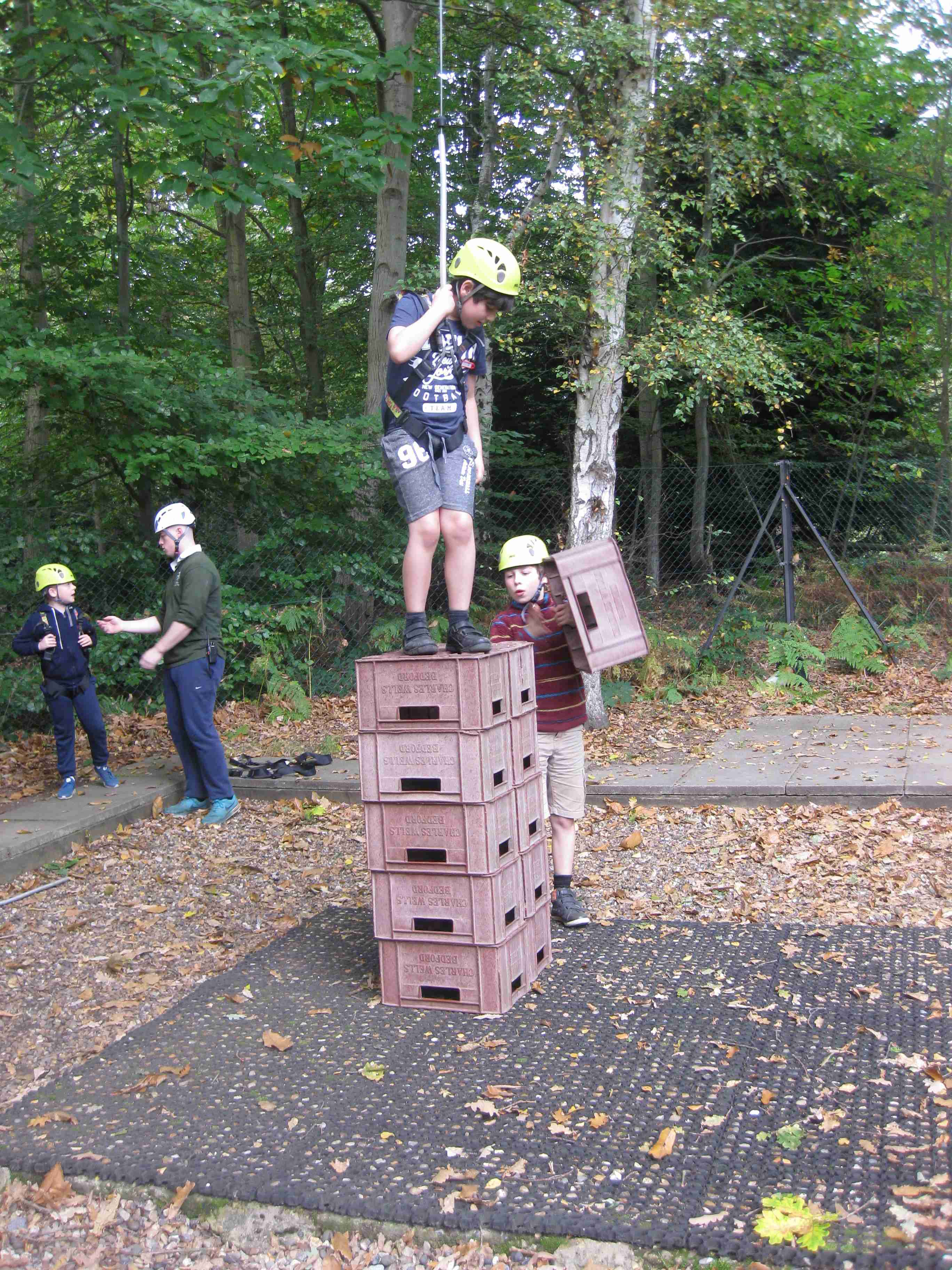 2017-10-08 7M Holiday Crate Stacking (29)
